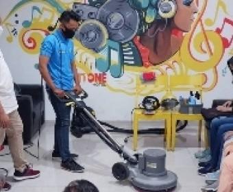 Manfaat Penggunaan Alat Kebersihan Yang Tepat di Housekeeping Department